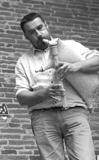 Pierre ROUCH instrumentiste et facteur d'intruments